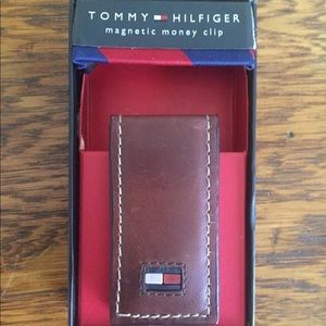 TOMMY HILFIGER HIGH BRIDLE MAGNETIC MONEY CLIP
